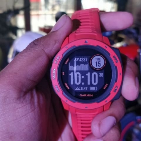 Garmin Instinct fitness tracker with built-in GPS launched