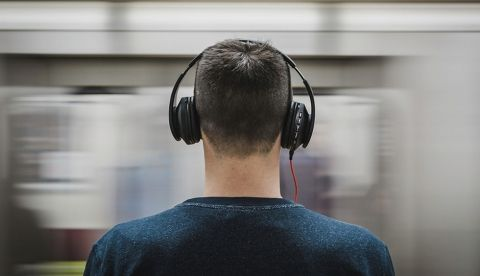 Apple could launch high-end over-ear headphones in second half of 2019