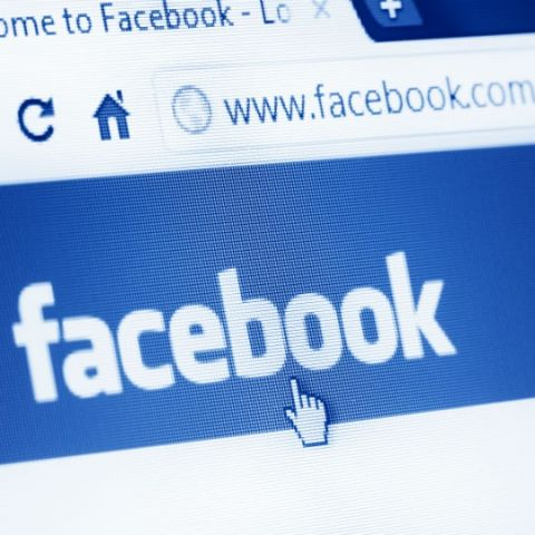 Facebook might restore chat feature in mobile app