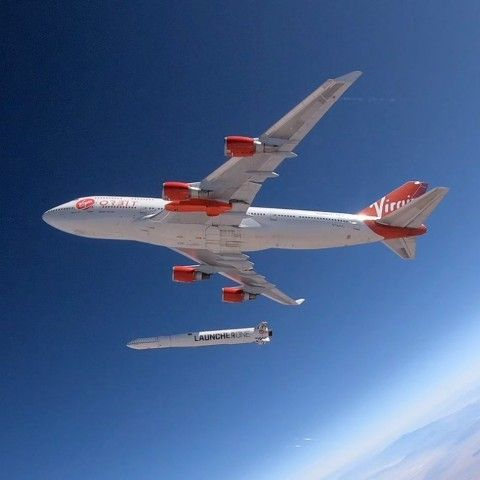 Virgin Orbit's 747 jumbo successfully carries out rocket-launching drop test