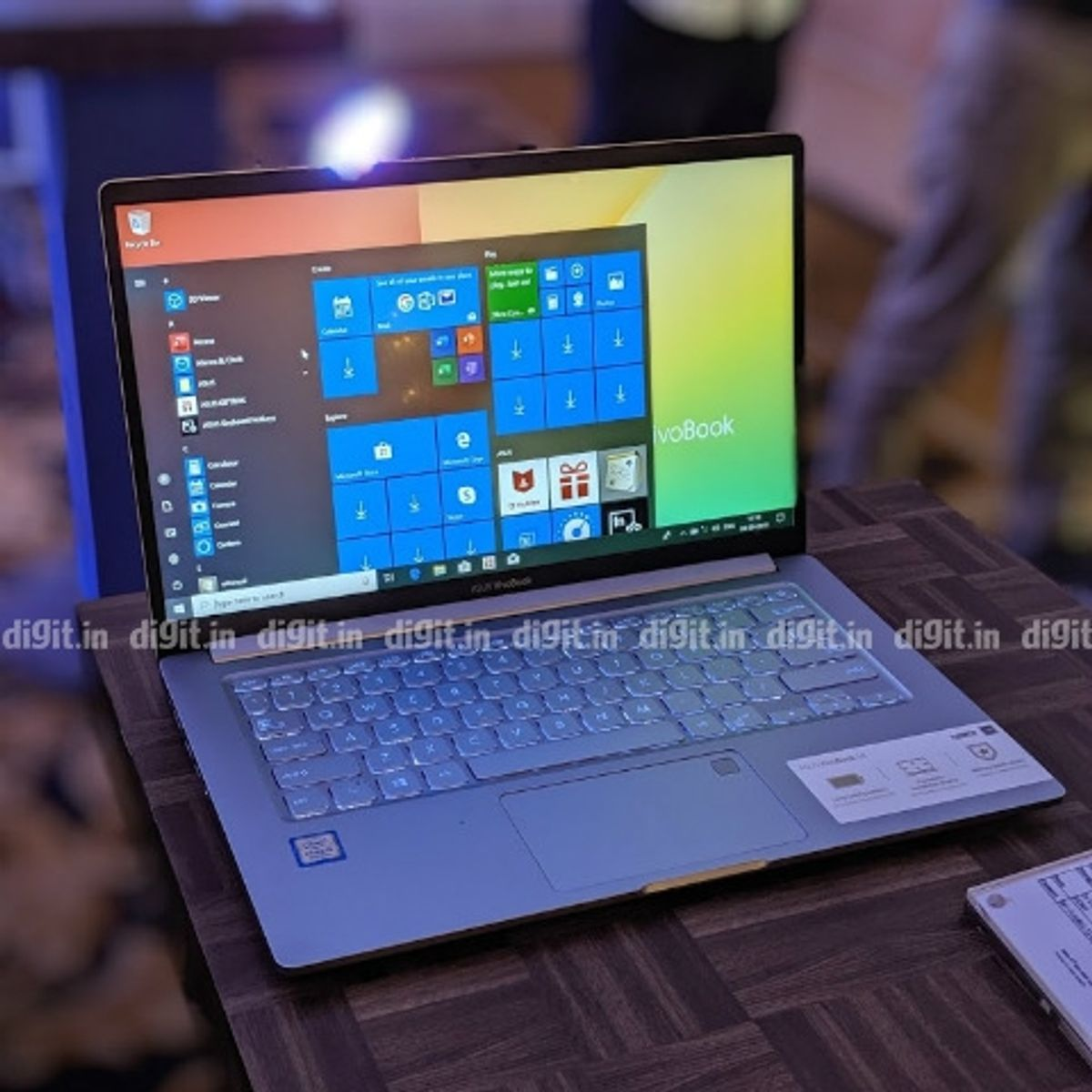 Asus VivoBook 14 X403: Big battery, bigger claim | Digit