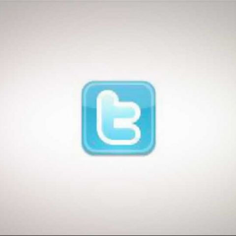 Twitter makes OAuth mandatory; tries out new link wrapping service