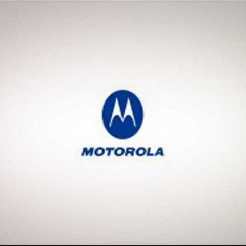 Motorola: Droid 2 official, Droid Pro due later this year, XT806 flip phone spotted
