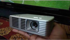 एसर K135 projector