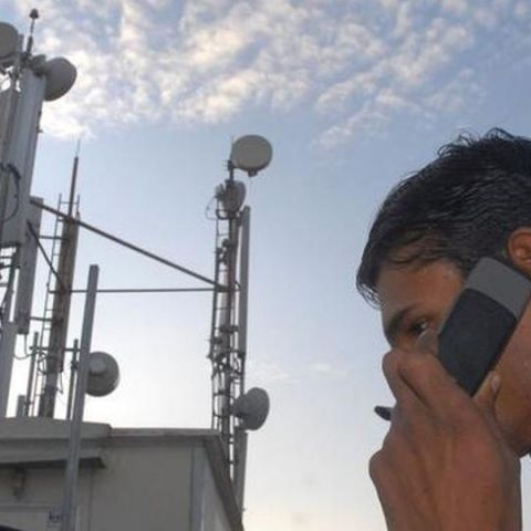 Telcos could place mobile towers on government buildings