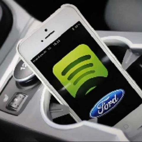 Ford showcases SYNC AppLink; will launch in 2014 with popular apps on board