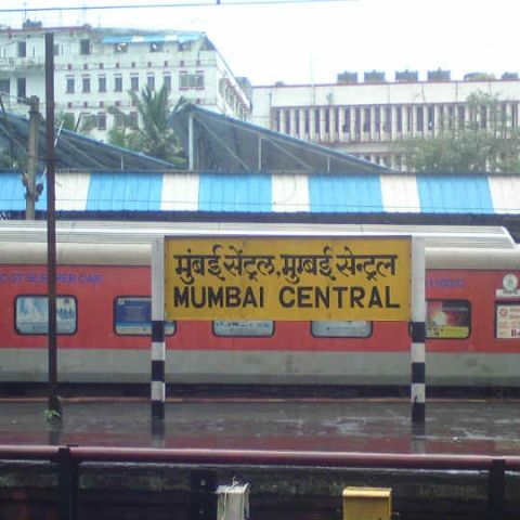 Google and RailTel launch free Wi-Fi service in Mumbai Central station