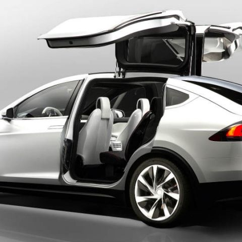 Tesla Motors launches the Model X with bio-weapons defence system