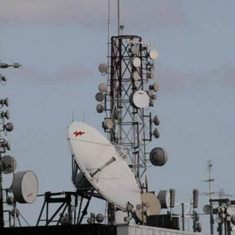 Telcos to compensate users for call drops, face penalty for poor service: TRAI