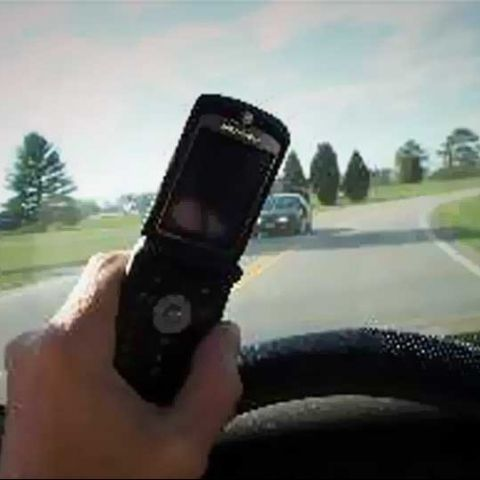 New study suggests talking on the phone while driving isn't related to accidents
