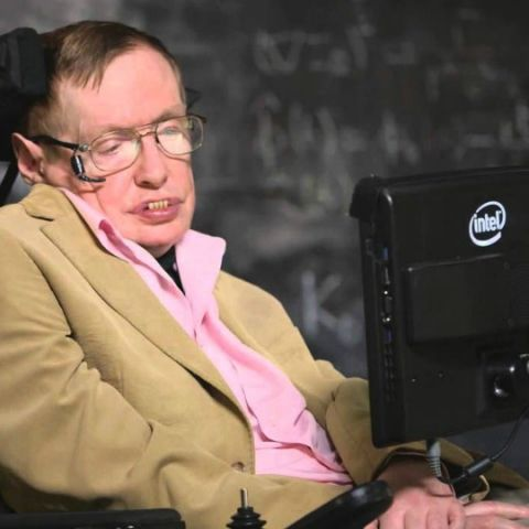 New race of 'Superhumans' could destroy humanity: Stephen Hawking warns in his last essay