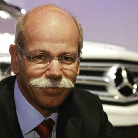 "Daimler CEO ""surprised"" at Apple and Google's automobile progress"