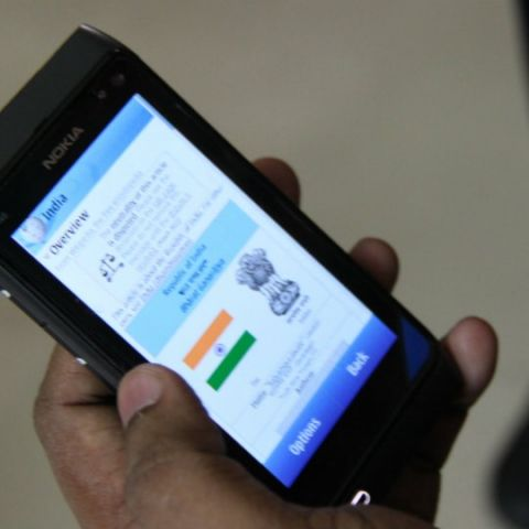 Mobile internet user base in India to reach 371 million: IAMAI
