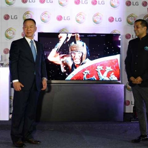 Admirable Lg Showcases Its Signature Series Collection At The Lg Download Free Architecture Designs Scobabritishbridgeorg