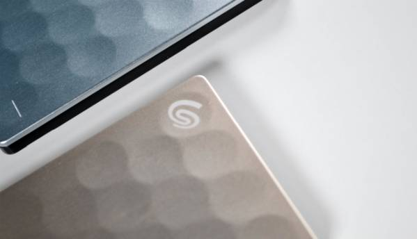 An overview of the slim and light Seagate Ultra Slim Plus