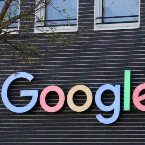 Google fined $7.85 million by Russian watchdog for requiring the pre-installation of its apps on Android
