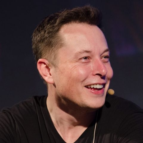 Musk hints at linking Hyperloop project with SpaceX rockets
