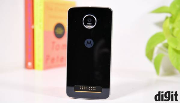 Moto Z Play getting Android 7.1.1 Nougat update soon