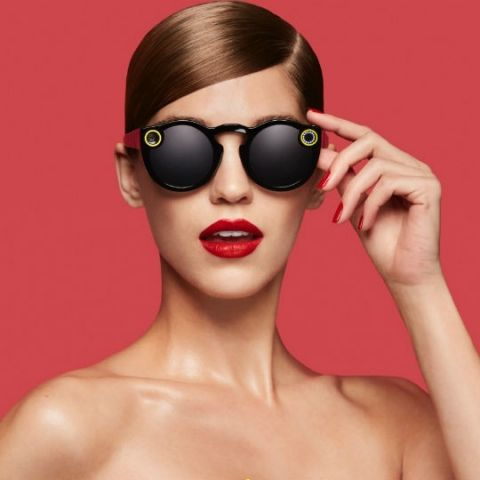 Snapchat Spectacles let users capture and post 10 second videos on the go