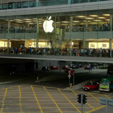 Indians may have to wait longer for Apple Retail Stores and settle for 'bigger' franchisee outlets instead