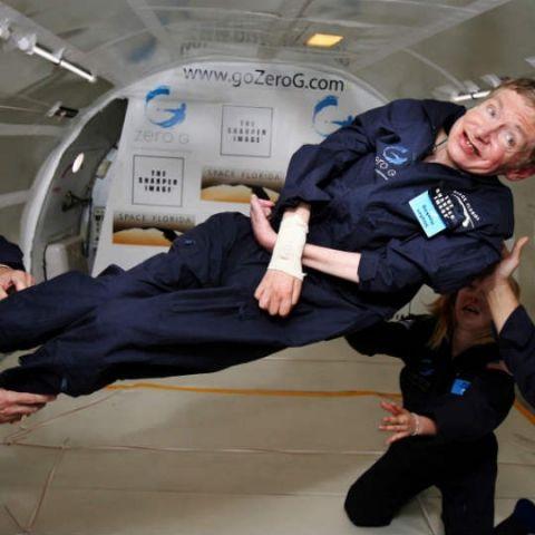 Stephen Hawking headed to space aboard Virgin Galactic
