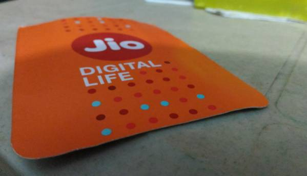Jio Diwali Dhamaka sale: 100 percent cashback on plans above Rs 149, Jio Phone 2 open sale and more