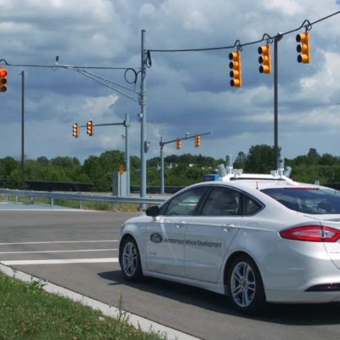 Watch Ford's Level 4 autonomous Fusion navigating a simulated city