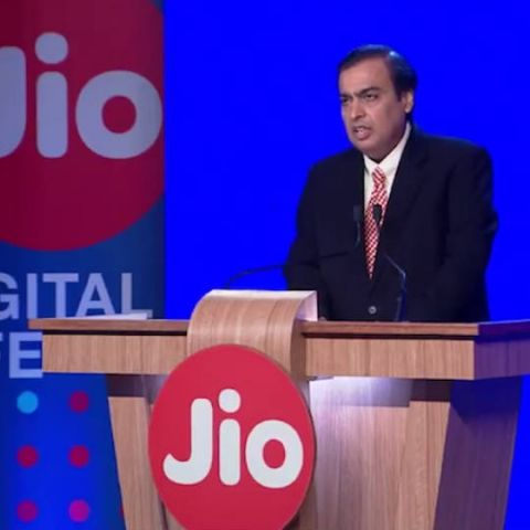 Reliance Jio partners with Screenz, aims to create India's largest digital engagement platform called 'Jio Screenz'