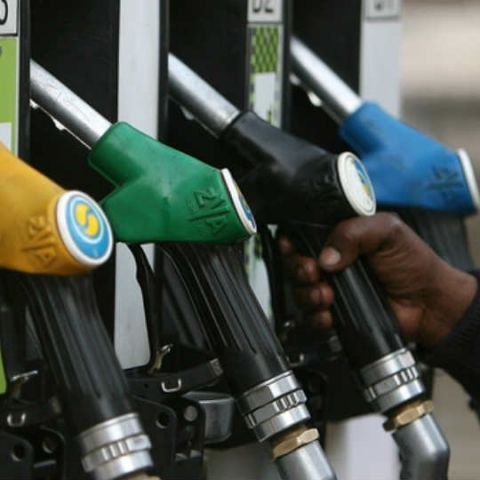 Indian govt planning to sell Petrol and Diesel through e-commerce platforms, analysts believe it's feasible