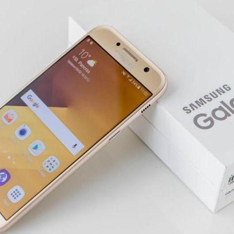 Samsung Galaxy A7 (2018) with Octa-core Exynos 7885 SoC, 6GB