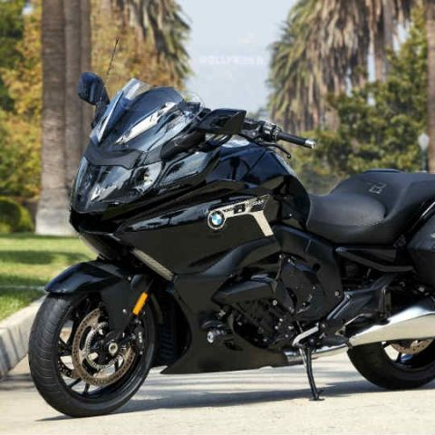 The BMW K 1600 B luxury motorbike comes loaded with technology