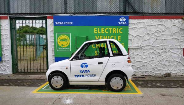 Tata Power sets up two new electric car charging stations in Mumbai