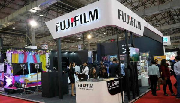 Fujifilm showcases latest photo-imaging products for indian market at CEIF