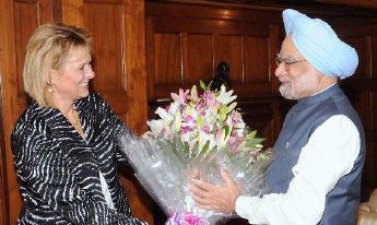 Carol Bartz and India Prime Minister Manmohan Singh