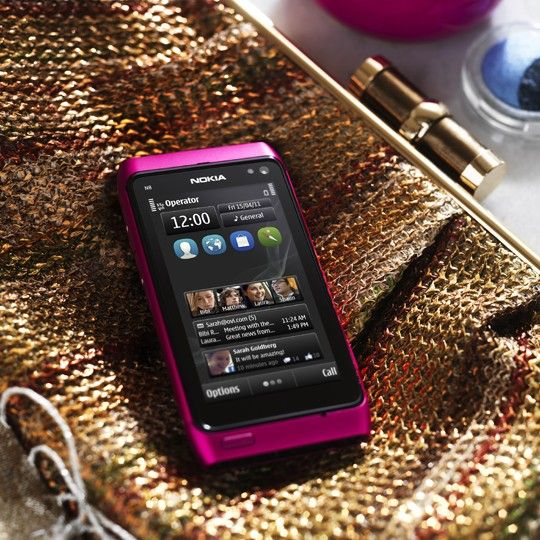 The new Pink Nokia N8 with Symbian Anna shows off Nokia's