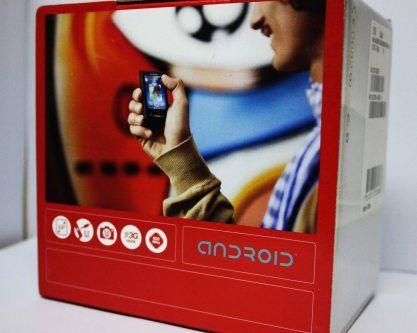 The Xperia X10 Mini box