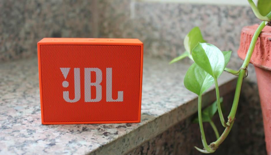 Compare JBL Go Vs Altec Lansing Mini Lifejacket 2 - Price , Specs